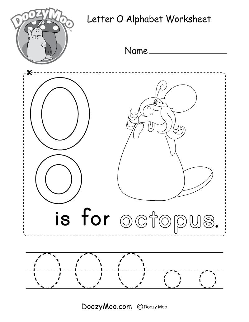 Letter O Alphabet Worksheet. The letter O is for octopus.